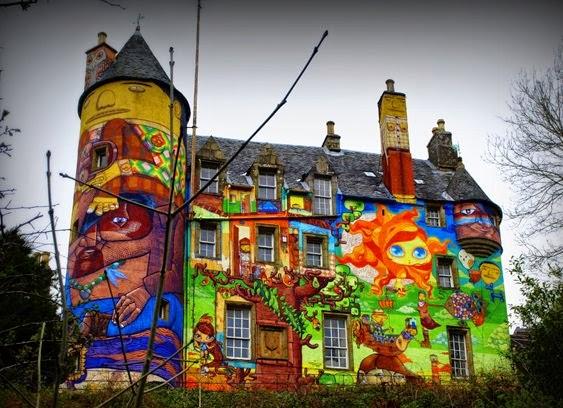 graffiti-Kelburn-Castle